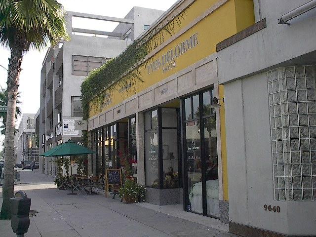 9623 Santa Monica